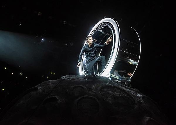 Дима Билан представил новое шоу «Планета Билан»
