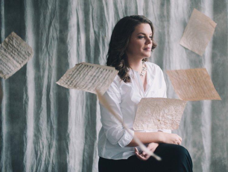 Вера Полозкова: «Я писала бы стихи даже на необитаемом острове». Интервью для zebro.ru
